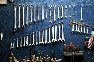 workshop-mechanic-tools-workbench-garage