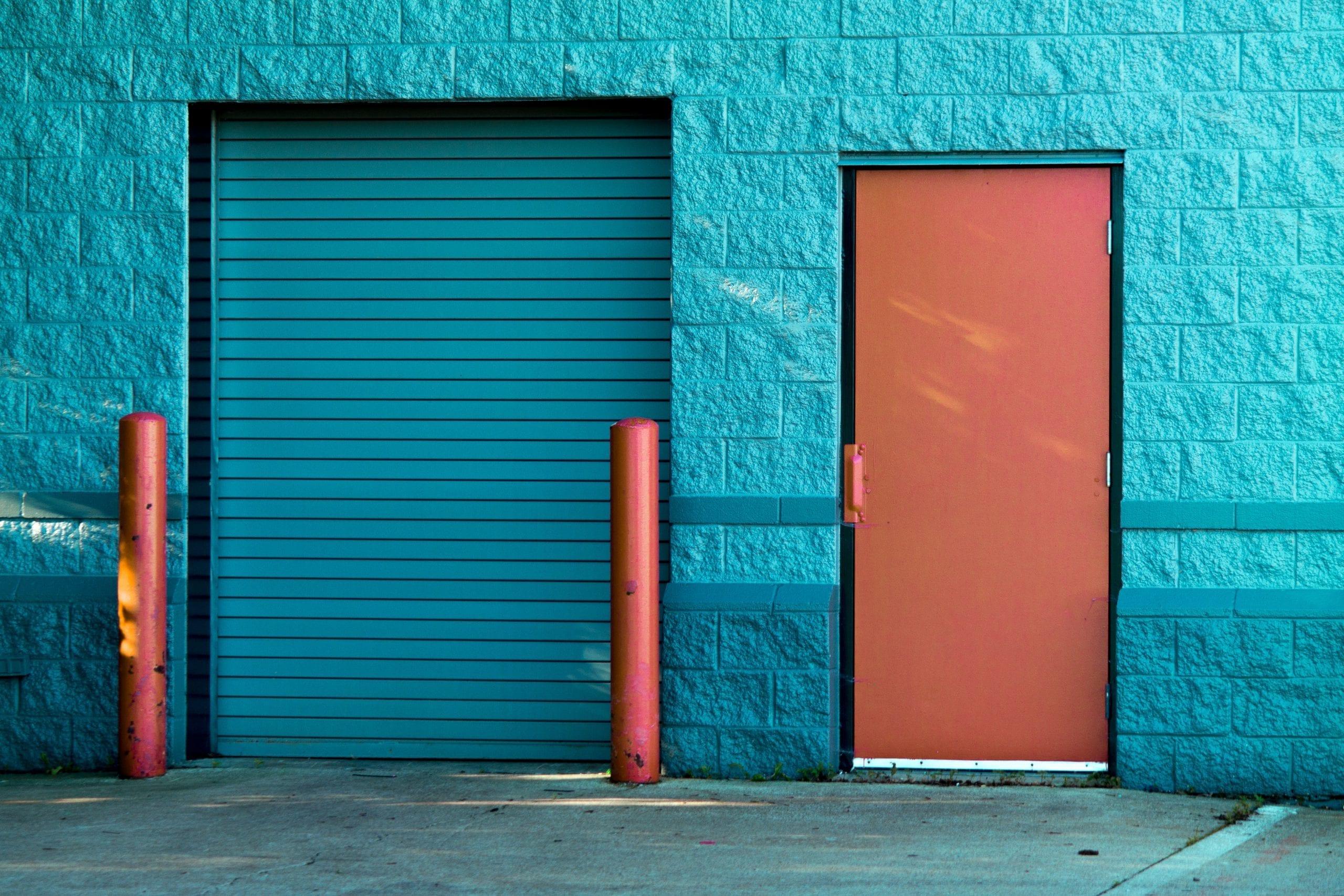tips-for-choosing-your-commercial-garage-door-image