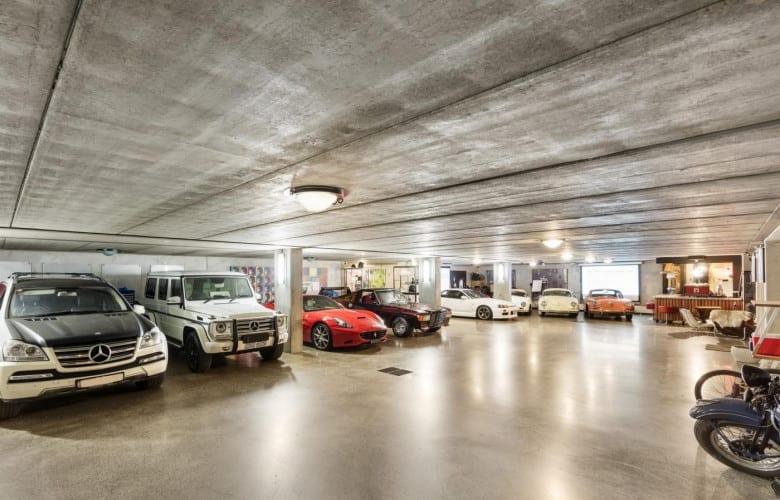 car-collectors-garage-image