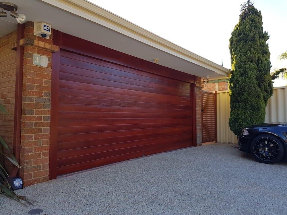 detached-attached-garage-image
