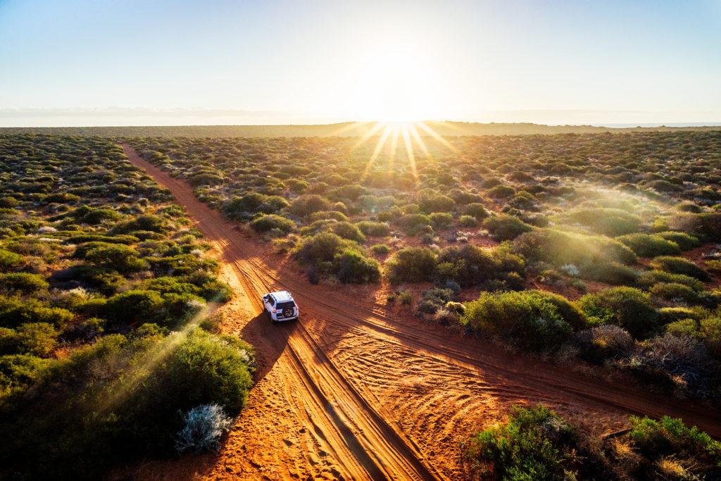 4-wheel-driving in Australia