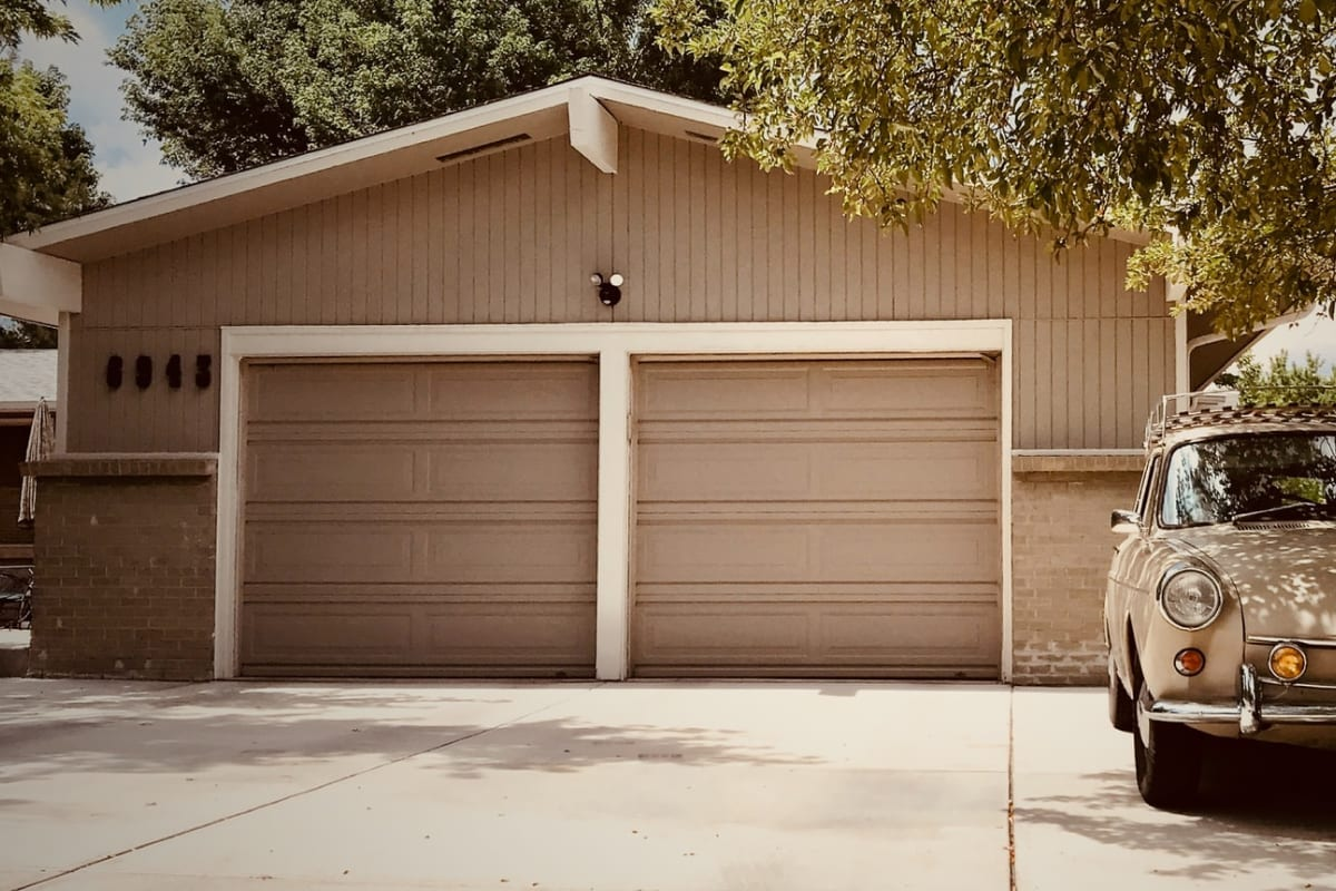 one-garage-door-or-two-single-ones-image